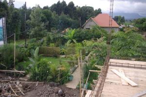 der größere Teil des Gartens von oben